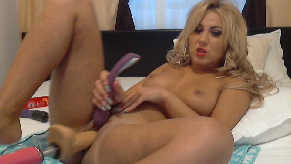 [HD] Andreea Angie Squirt Sex Machine Andreea_Angie - ManyVids-00:10:09 | Blonde, Fuck Machine, Long Hair, Long Nails - 187,6 MB