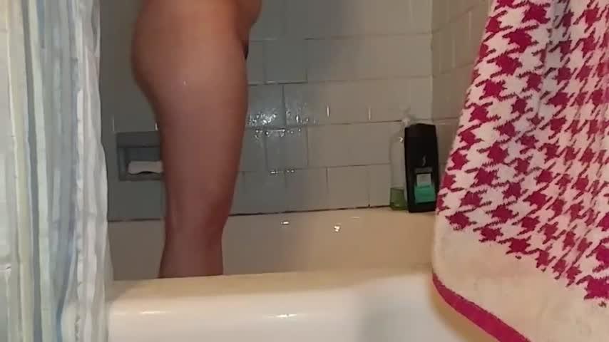 Angelic Jada Shower With Jada 2