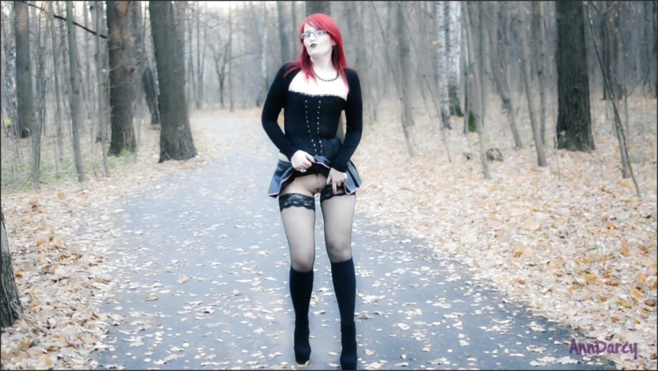 [Full HD] AnnDarcy Gothic Public Upskirt Flashing Without Panties AnnDarcy - Manyvids-00:02:48 | Size - 107,9 MB