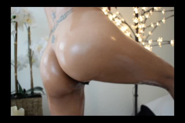 [LQ] Aspen Snow Oil Covered Asian Ass Feet Amp Tits Aspen Snow - ManyVids-00:24:13 | Ass, Lotion/Oil Fetish, Nipples, Small Tits, Wrinkled Soles - 1,6 GB