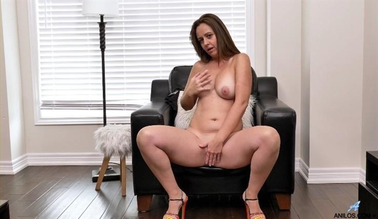 [Full HD] Brandii Banks - Busty Brandii 13.03.20 Brandii Banks - SiteRip-00:11:18 | High Heels, Mini Skirt, Fair Skin, Bras, Thongs, Shaved Pussy, Big Boobs, Long hair, Puffy Nipples, Solo - 690,5 MB