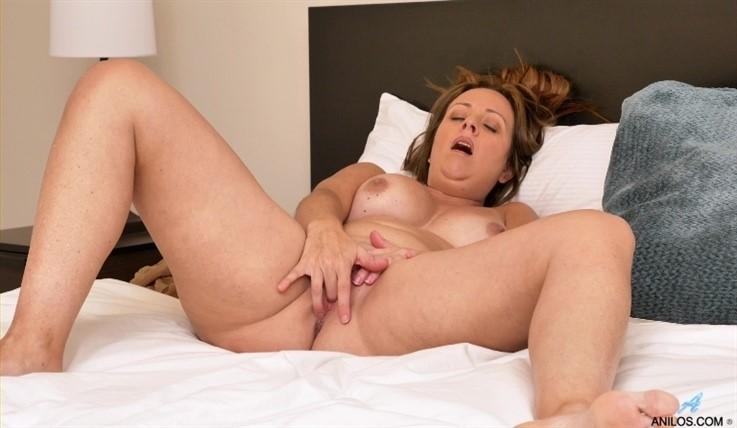 [Full HD] Brandii Banks - Mature Masturbation 15.03.20 Brandii Banks - SiteRip-00:11:25 | Solo, Fair Skin, Stockings, Thongs, Long hair, Puffy Nipples, Shaved Pussy, High Heels, Big Boobs - 653,9 MB