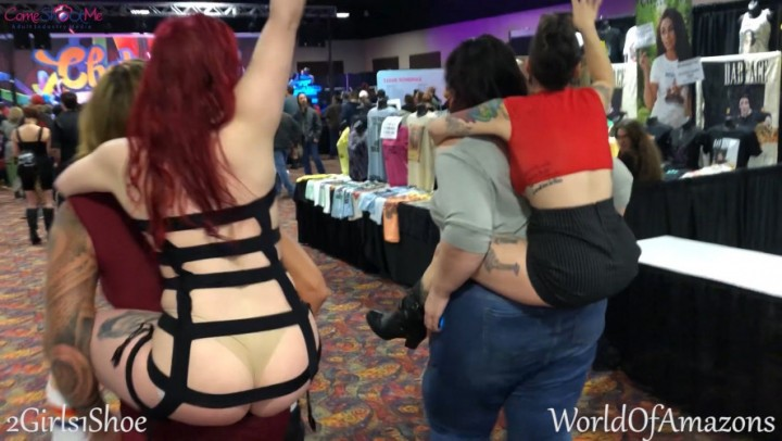 [Full HD] Camille Campbell Public Piggybacks At Exxxotica 1080P Hd Camille Campbell - ManyVids-00:03:02 | Giantess, Amazons, Petite, Ass, Lift &Amp;Amp; Carry - 353,8 MB