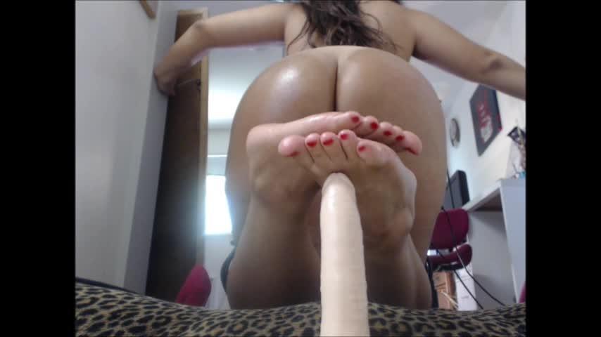 [SD] Carmita Bonita Dildo Foot Job Fetish Carmita Bonita - ManyVids-00:06:58 | Ass, Brunette, Feet, Latin, Oil - 338,7 MB