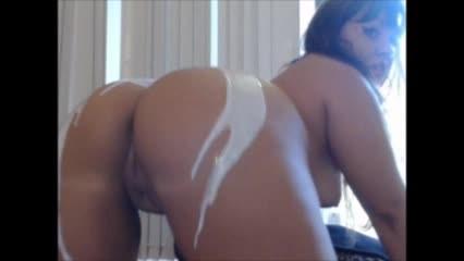 [LQ] Carmita Bonita Lotion Booty Twerking And Bbc Dildo Suck Carmita Bonita - ManyVids-00:06:56 | Ass, Blowjob, Brunette, Interracial, Latin - 70,3 MB