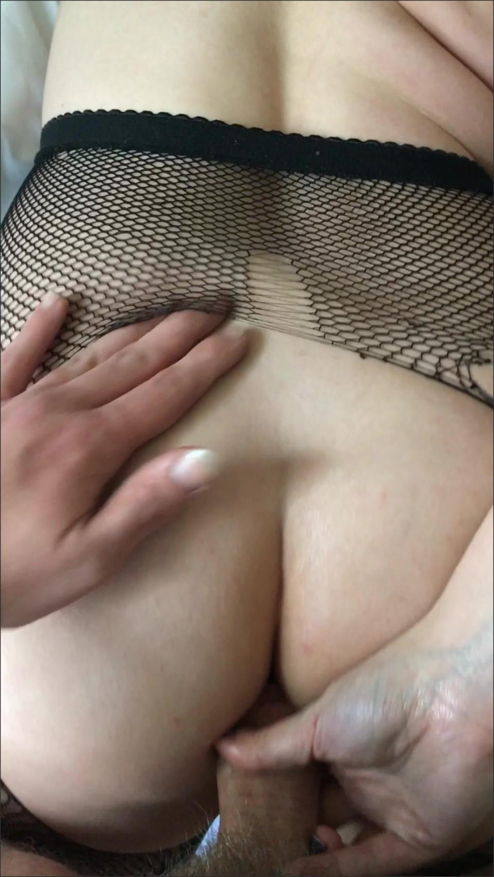 [] Damnedestcreature Amateur Pov Iphone Sex Tape DamnedestCreature - Manyvids-00:03:55 | Size - 929,2 MB