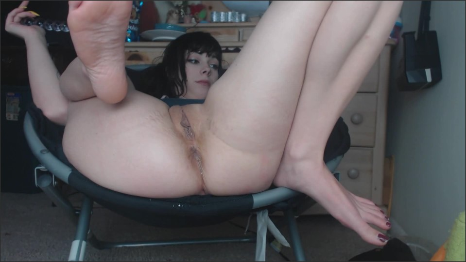 [Full HD] Damnedestcreature Horny Little Girl Fucks Her Ass Sloppy DamnedestCreature - Manyvids-00:22:59 | Size - 614,1 MB