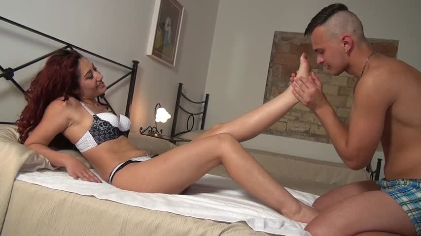 [HD] Dana Santo Girls Foot Jobs To A Young Boy Dana Santo Girls - ManyVids-00:13:31 | Barefoot, Cumshots, Foot Fetish, Footjobs - 500,7 MB