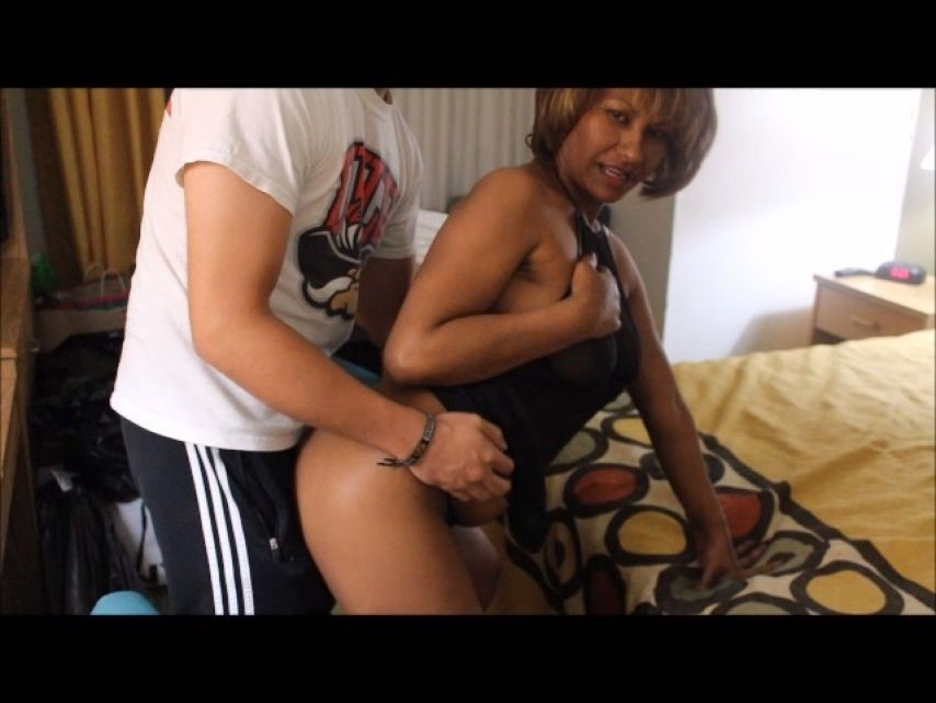 [SD] Exotic Portia Portia With College Freshman Exotic Portia - ManyVids-00:17:09 | Older Woman / Younger Man ., Ebony MILF, Old &Amp;Amp; Young, Cheating Wife, Oral Sex - 629,7 MB