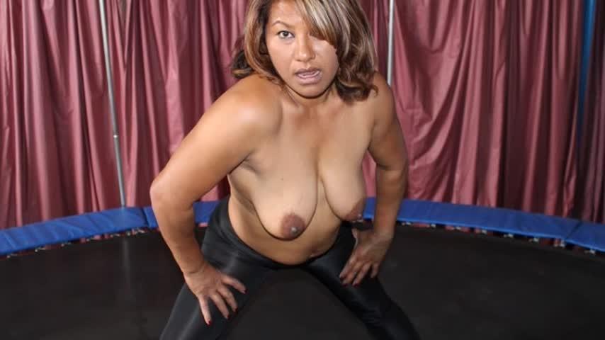 [SD] Exotic Portia Portias Topless Trampoline Fun Exotic Portia - ManyVids-00:05:17 | Exercise, Topless, Jumping, Ebony MILF, Boob Bouncing - 195,2 MB