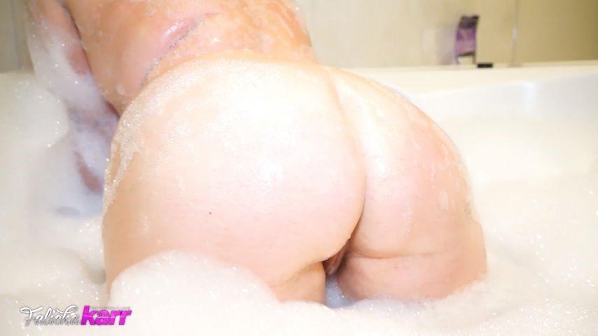 [Full HD] Falicha Karr Big Booty Bubble Bath Tease Falicha Karr - ManyVids-00:04:14 | Bathtub Fetish, Wet Look, Big Tits, Big Ass, Curvy - 140,5 MB