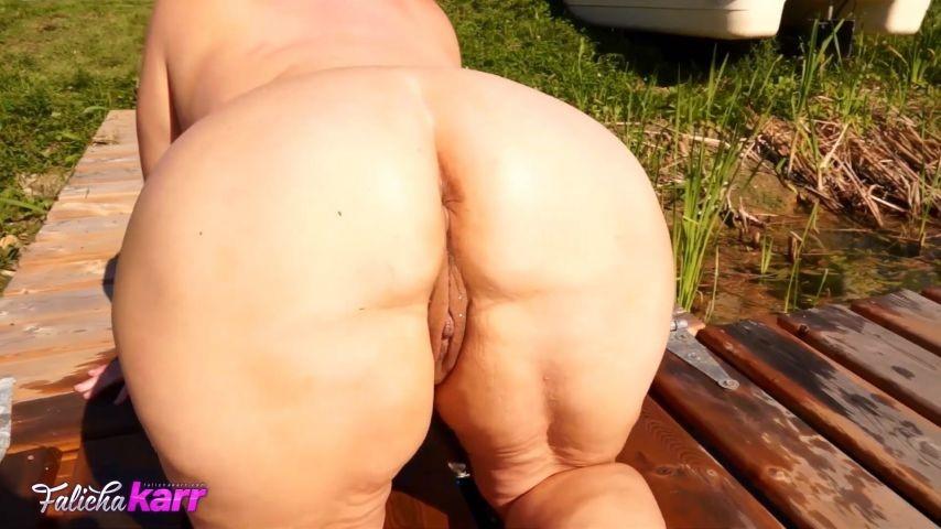 [Full HD] Falicha Karr Hot Big Booty In The Sun Falicha Karr - ManyVids-00:11:22 | Booty Poppin, Big Butts, Big Ass, Outdoors, Curvy - 380,6 MB