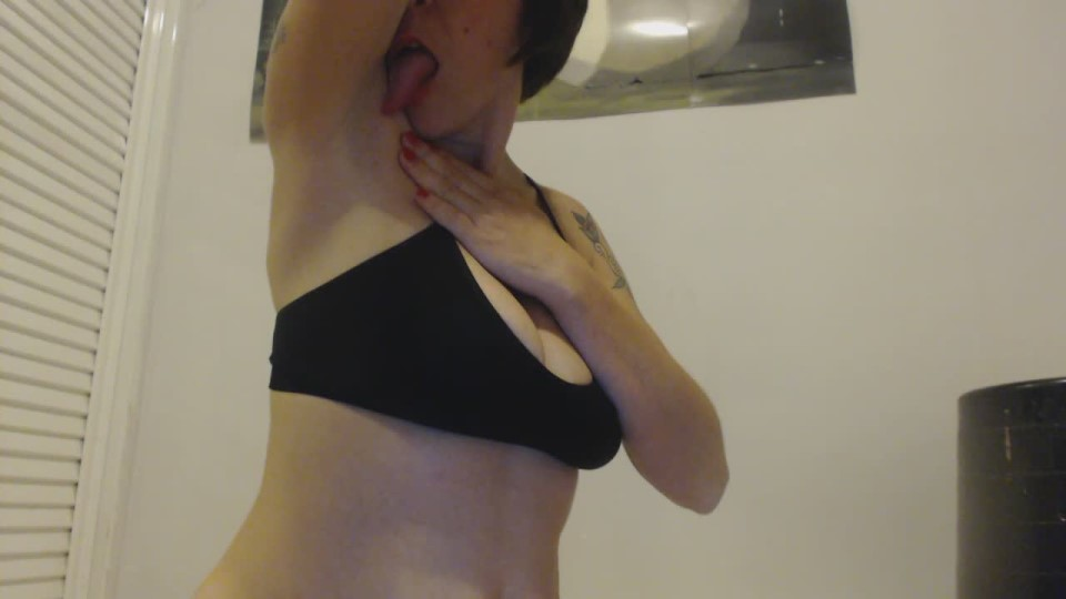 [HD] Iris Sadeyes Licking Armpits Iris_SadEyes - ManyVids-00:01:30   Armpits, Big Boobs, Licking, MILF, Tattoos - 33,6 MB