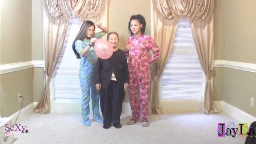 [Full HD] Jayla Inc Grandma Popping Balloons JayLa Inc - ManyVids-00:02:19 | Balloon Stuffing, Balloons, Balloons B2P, Balloons Non Pop - 175,2 MB