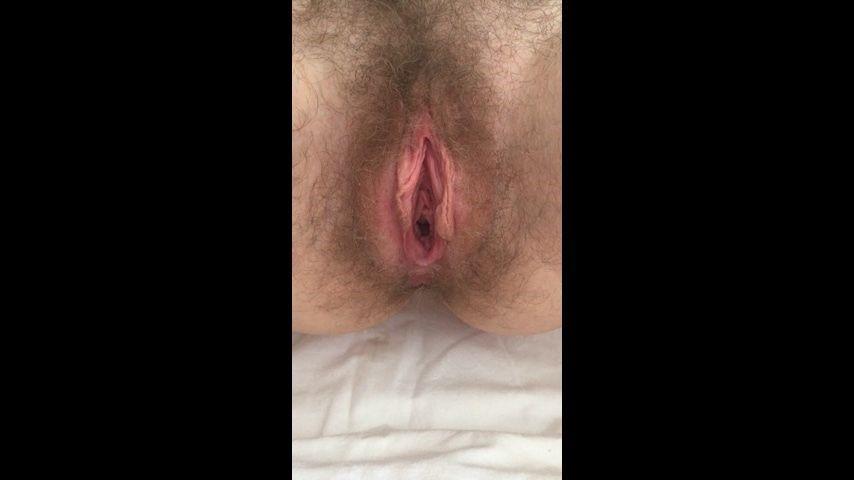 [Full HD] Kinkyemma Hairy Pussy Gaping P--Ing Some KinkyEmma - ManyVids-00:01:00   Hairy,Hairy Arms,Labia,Pee,Pussy Gaping - 112 MB