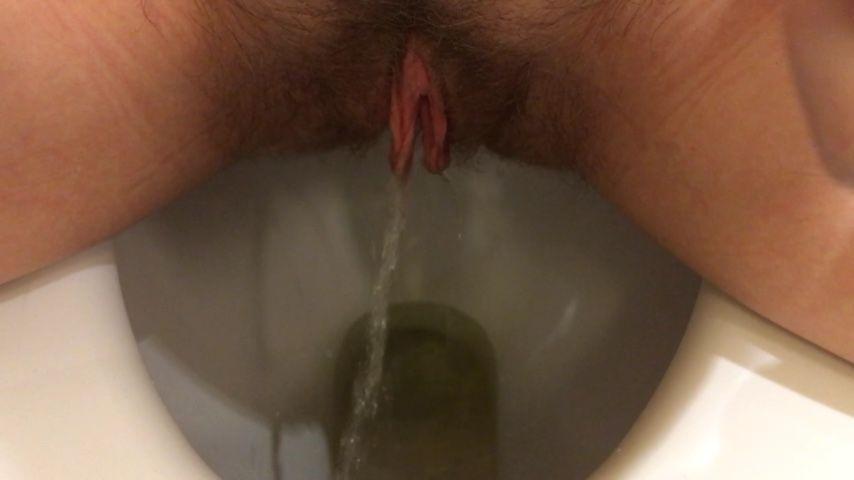 [Full HD] Kinkyemma Hairy Pussy P--Ing In Toilet Compilation KinkyEmma - ManyVids-00:03:12   Pee,Wet &Amp;Amp; Messy,Hairy Bush,Toilet Fetish,Toilet Slavery - 322,4 MB