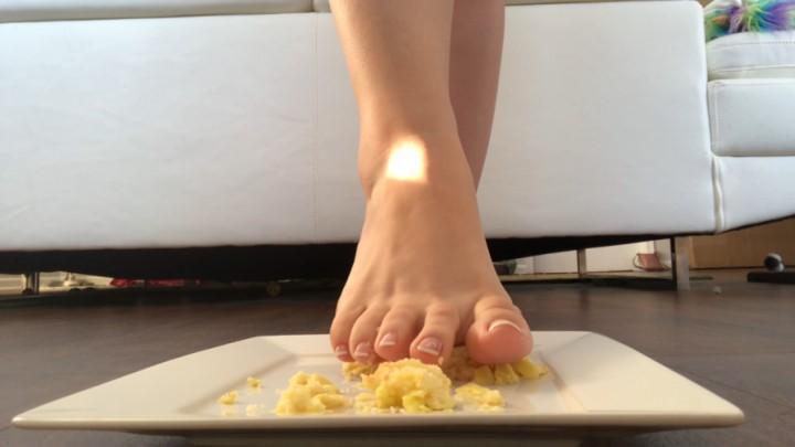 [Full HD] Kitten Kiara Cb Giantess Cake Food Crush Fetish Kitten_Kiara_CB - ManyVids-00:02:32 | Food &Amp;Amp; Object Crush, Giantess, Food Porn, Foot Fetish, Soles - 141 MB