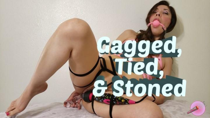 [Full HD] Kushlungs666 Gagged Tied And Stoned Kushlungs666 - ManyVids-00:12:35   Ballgagged, Hitachi, Latina, Rope Bondage, Smoking - 1 GB