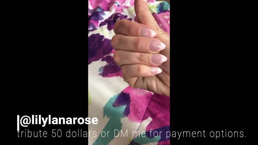 [Full HD] Lilylanarose Buy This Clip To Get Me A New Mani LilylanaRose - ManyVids-00:01:09   Femdom, Financial Domination, Finger Nail Fetish, Nails, Ripoff - 67,7 MB