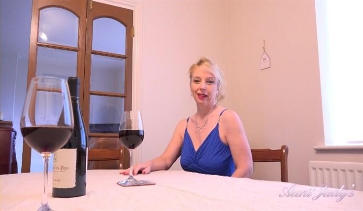 Lucinda - Elegant Dinner Date Tabletop Masturbation 22.02.20