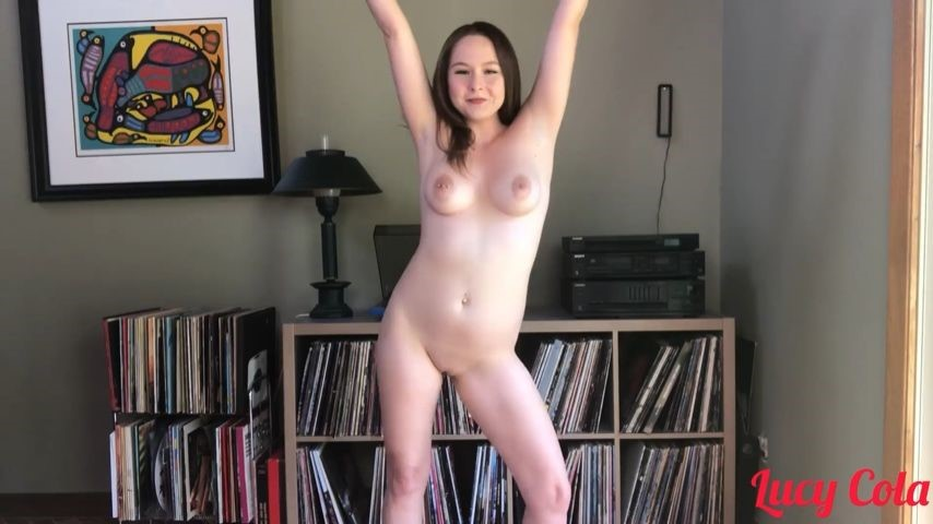 [Full HD] Lucycola Lucy Puts On A Record LucyCola - ManyVids-00:03:36   Dancing,Free,Music,Silly Faces,Strip Tease - 357,1 MB