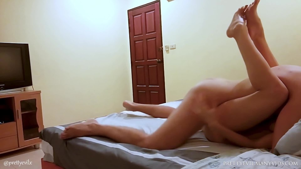 [Full HD] Prettyevil Young Brunette Girl Rough Fucked On Bed Prettyevil - ManyVids-00:12:34   Boy Girl,Rough Sex,Sex Position,Teens (18+),Big Ass - 291,7 MB
