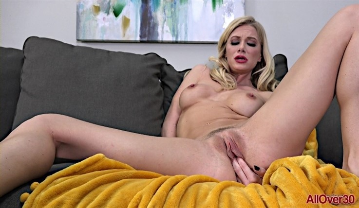 [Full HD] Serene Siren - Mature Pleasure 25.05.20 Serene SirenModels Age: 30 - SiteRip-00:10:39 | Posing, Solo, Medium Tits, Mature, Masturbate, Hairy - 1,1 GB