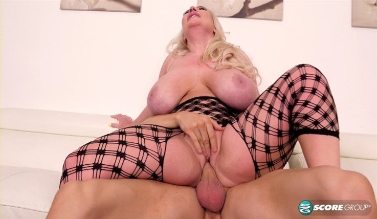 [4K Ultra HD] Stassi Rossi - A Date With Stassi Rossi 01.05.20 Stassi Rossi - SiteRip-00:29:46 | Cumshot, All Sex, Blowjob, Blonde, PussyEating, Doggy Style, Cum On Tits, Big Ass, TitFucking, Big Tits, TitSucking - 7,2 GB