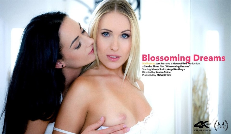 [4K Ultra HD] Angelika Grays &Amp; Nicole Smith - Blossoming Dreams Angelika Grays &Amp; Nicole Smith - SiteRip-00:30:57 | Mirror, Panties, Indoors, Lesbian, Breasts, Upskirt, Brunette, Blonde, Fingering, Tattoo - 6,5 GB