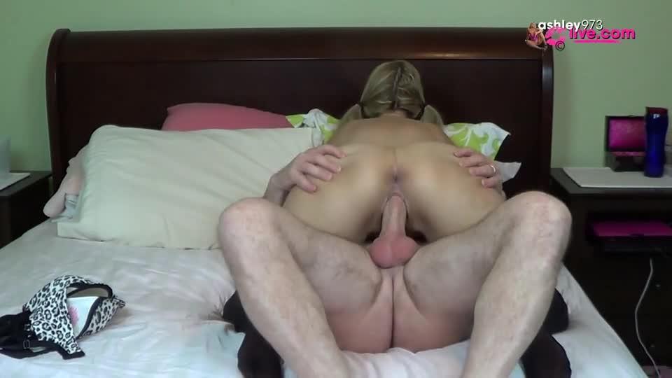 [SD] Ashleymason973 Ash Fucks Rob Ashleymason973 - ManyVids-00:10:02   Blow Jobs, Fucking, Cumshots, Huge Tits - 93,6 MB