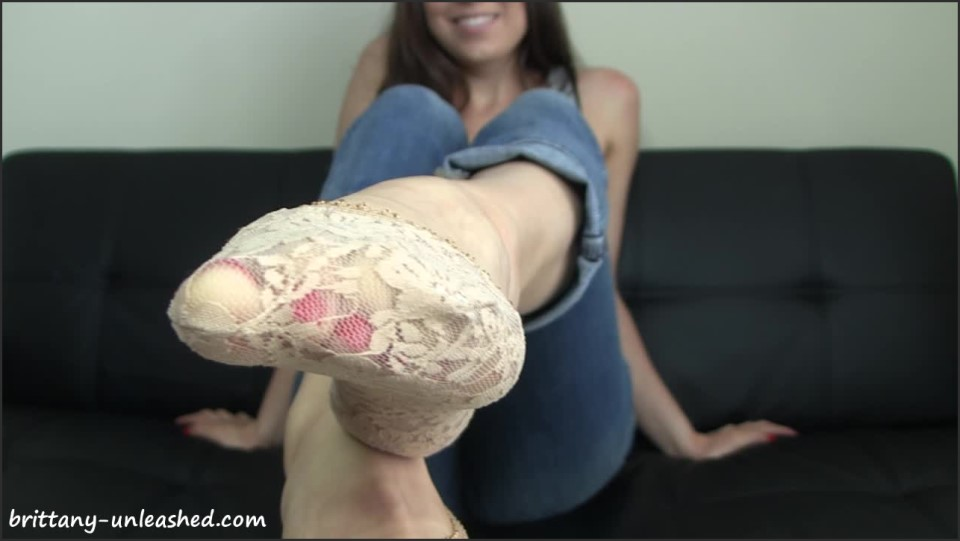 [HD] Brittany Marie - Lace Pedi Socks Brittany Marie - ManyVids-00:09:53 | Size - 714 MB