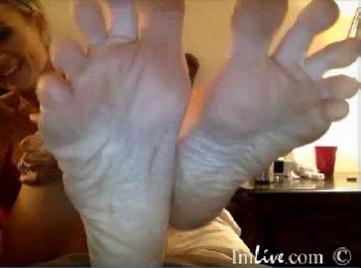 [LQ] Dylan Aces Foot Show Dylan_Aces - ManyVids-00:03:11   Dirty Feet,Feet,Long Toes,Barefoot,Foot Fetish - 27,6 MB