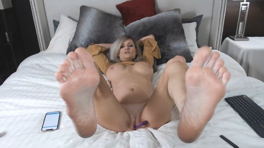[Full HD] Dylan Aces Suck My Toes While I Play With My Pussy Dylan_Aces - ManyVids-00:04:35   Feet,Long Toes,Financial Domination,Blonde - 95,3 MB