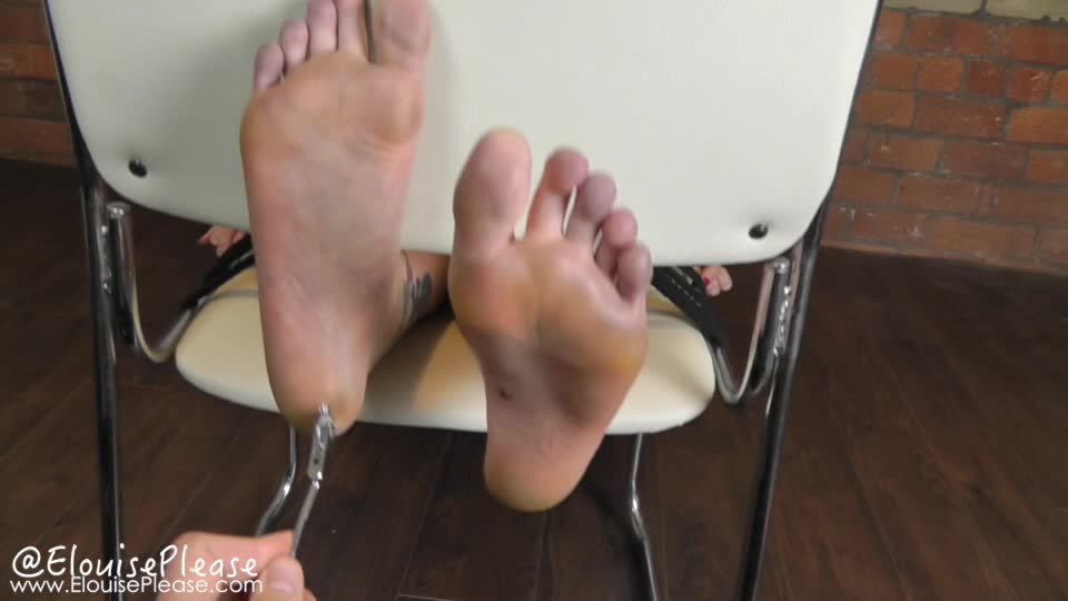 [SD] Elouise Please Foot Tickling And Torture With E Stim Elouise Please - ManyVids-00:06:13 | Foot Fetish, Foot Torture, Foot Tickling, Electric Play, BDSM - 322,3 MB