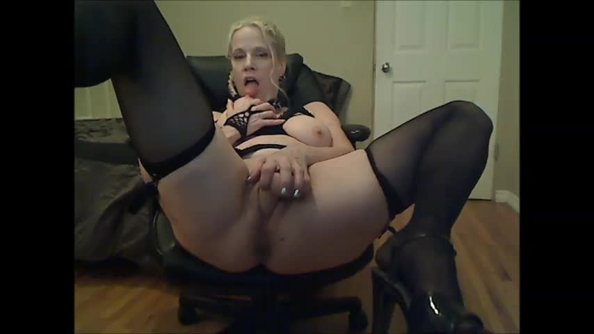 [SD] Gartersex Taboo Confessions Really Make Me Horny Gartersex - ManyVids-00:15:01 | Big Tits, Dirty Talking, Garter &Amp;Amp; Stockings, Mature, Taboo - 102,7 MB