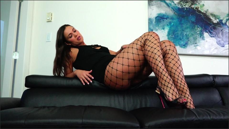 [Full HD] Goddess Alyssa Reece Stroke For My Long Legs In Fishnets 1080P Alyssa Reece - ManyVids-00:10:58 | Size - 1 GB