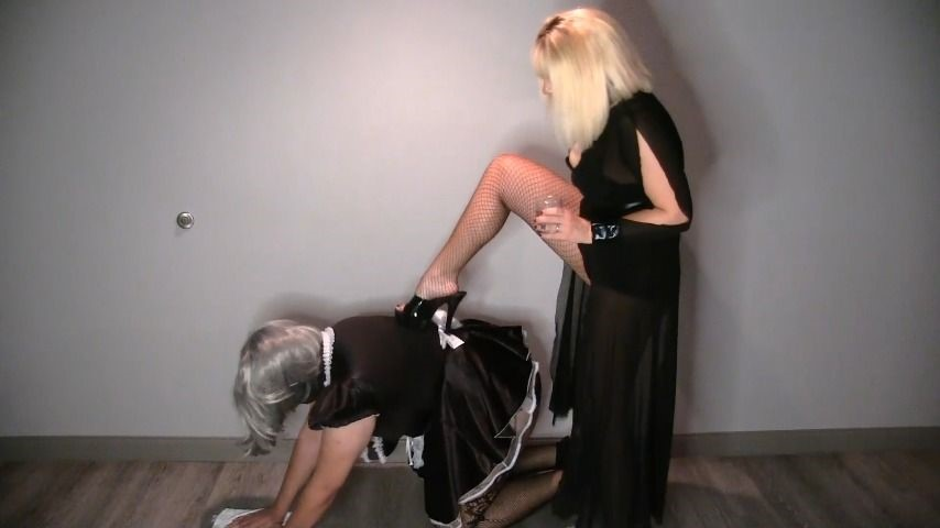 [Full HD] Goddess Lacey Clean Better Sissy Or Get Spanked Goddess Lacey - ManyVids-00:06:58   Sissy Training,Sissy Sluts,Spanking - 305,6 MB