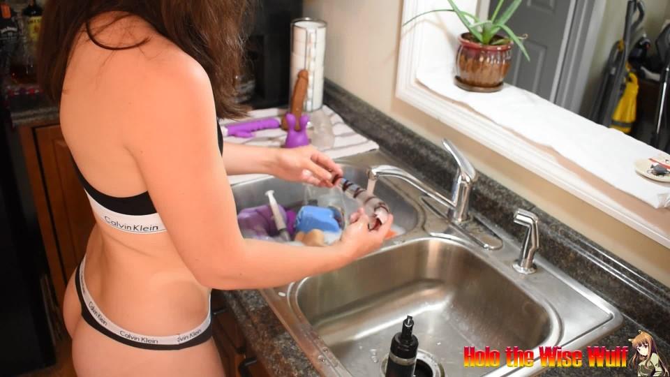 [Full HD] Holothewisewulf Asmr Toy Washing Holothewisewulf - ManyVids-00:20:14 | ASMR, Dishwashing, Dildos, Housecleaning, Non-Nude - 1,5 GB
