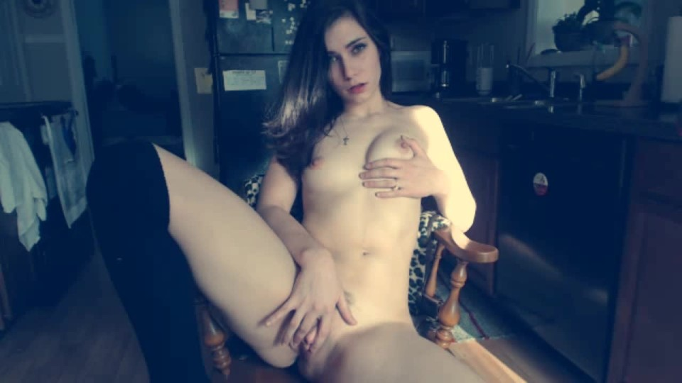 [HD] Holothewisewulf Cumming In My Kitchen Holothewisewulf - ManyVids-00:08:45 | Big Clits, Brunette, Glass Dildos - 265,4 MB