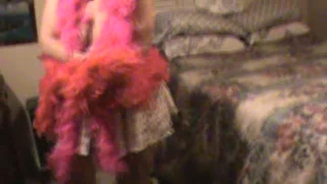 [LQ] Hotlynn Feathers Hotlynn - ManyVids-00:06:35   Ass Shaking, Ass Smacking, Big Pussies, Big Tits, Curvy - 47,2 MB
