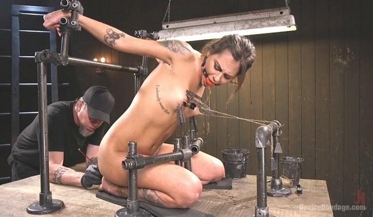 [HD] Kacie Castle. Fresh Meat - Kacie Castle In She Will Scream, They All Scream Kacie Castle - SiteRip-01:00:16   Bondage, Torture, BDSM, Humilation, Hardcore, Domination, Toys - 2,2 GB