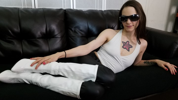 [Full HD] Katy Faery Boots N Bubble Gum 9 Custom Katy Faery - ManyVids-00:07:58 | Boot Fetish,Brat Girls,Bubble Gum,Chewing,Ignore - 580 MB