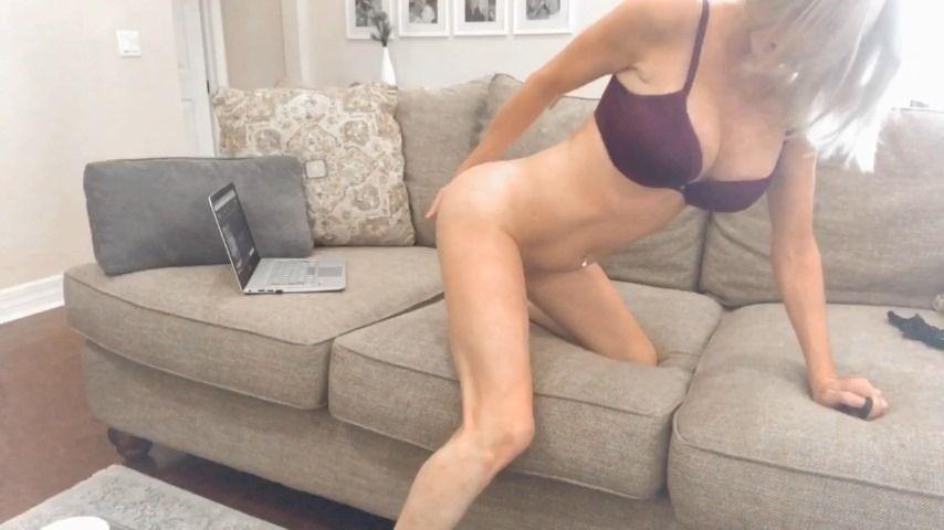 [HD] Korixoxo Reality Series Ep2 Porn Watching Korixoxo - ManyVids-00:07:40 | Big Clits,Blonde,Masturbation,Orgasms,Reality Porn - 88,5 MB