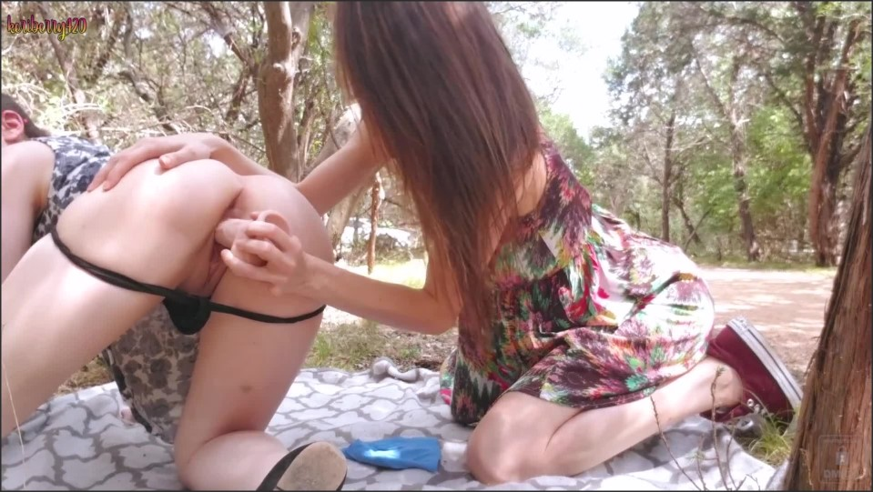 [Full HD] Lily Lou 43 Public Fun With Keri And Lily Lou - ManyVids-00:09:59 | Size - 607,7 MB