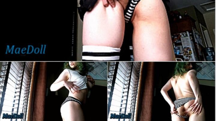 [SD] maedoll open blind striptease MaeDoll - ManyVids-00:14:07   Exhibitionism, Socks, Strip Tease, Striptease, Teens - 326,7 MB
