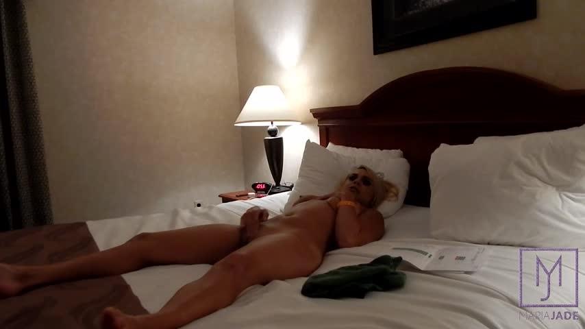 [Full HD] mariajadestudiosllc sitting on a strangers face pt2 hd MariaJadeStudiosLLC - ManyVids-00:17:43   Blonde, Blowjob, Nudity/Naked, Pussy Eating, Strangers - 1,5 GB