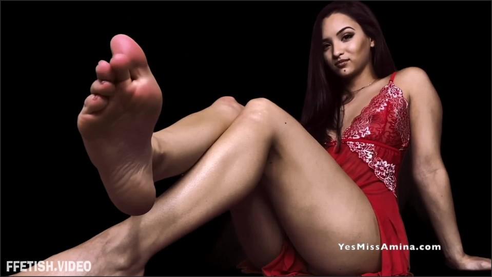 [Full HD] Miss Amina Rose Naughty Or Nice Xmas Foot Worship Miss Amina Rose - ManyVids-00:09:41 | Size - 548,5 MB