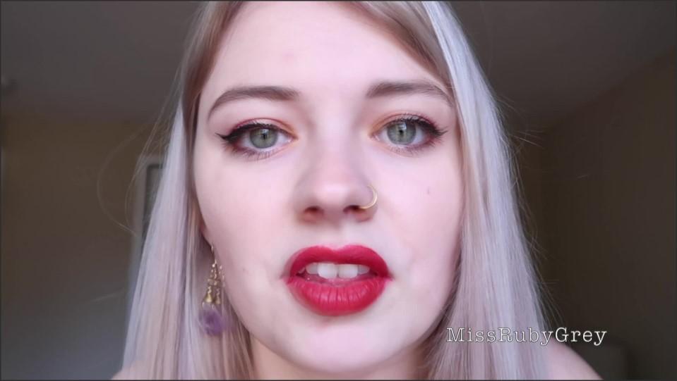 [Full HD] Miss Ruby Grey Natura Born Cocksucker Miss Ruby Grey - ManyVids-00:09:40 | Size - 1,4 GB