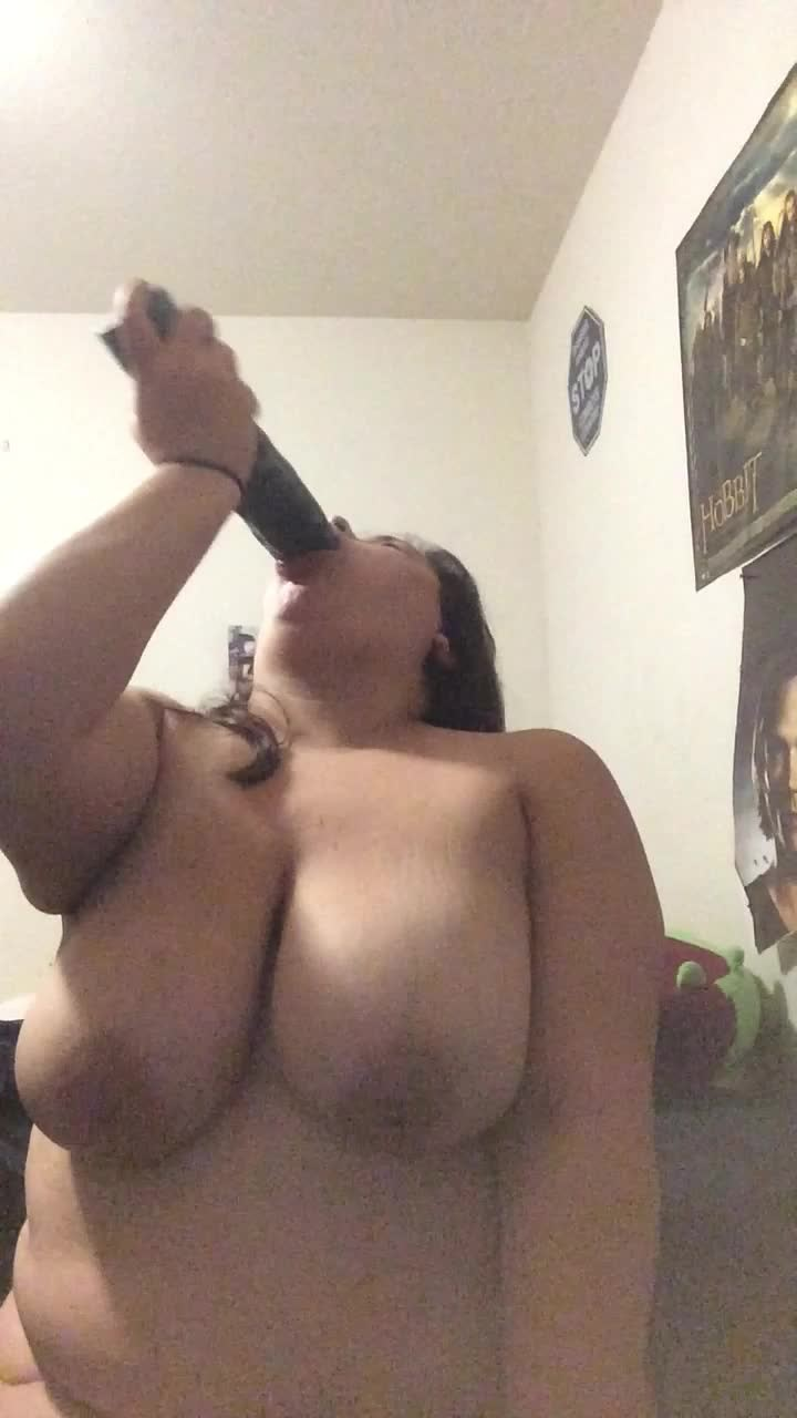 [HD] missbustylatina big black dildo in my mouth MissBustyLatina - ManyVids-00:07:35   BBC, Big Ass, Dildos, Gagging, Latina - 574,5 MB