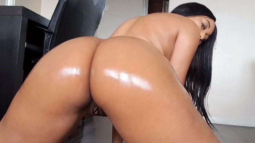 [Full HD] Missjasmineuk Oil Tease And Spit Masturbation MissJasmineUK - ManyVids-00:10:04 | Oil, Spitting, Dirty Talking, Fingering, Ebony - 1,4 GB